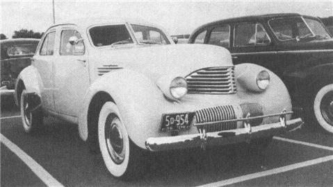 1941 GRAHAM Custom Hollywood Model 113, 6-cyl., 115
